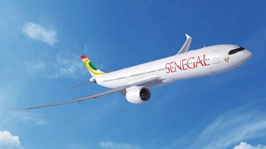 """Un avion de la compagnie aérienne """"Air Sénégal"""" en plein vol"""