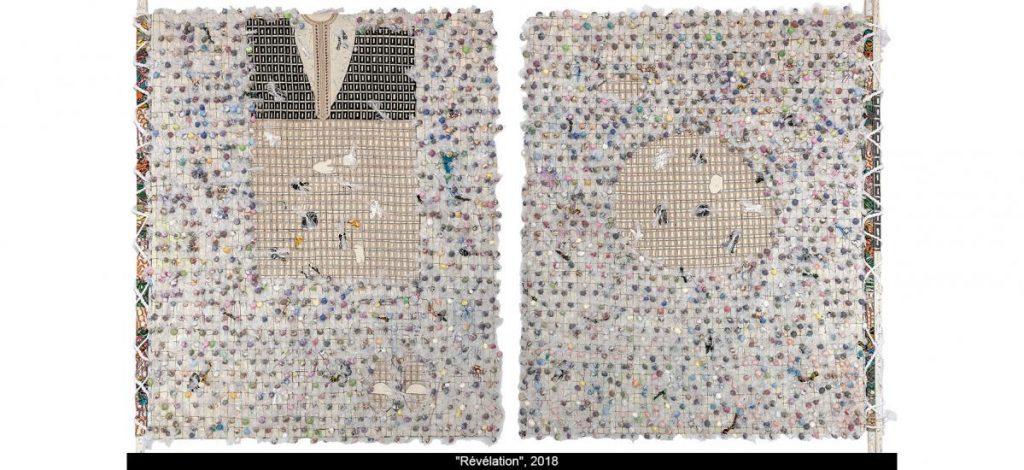 oeuvre d'art réalisée à partir de matériaux de récupération, réflexion sur la notion de consumérisme et mondialisation